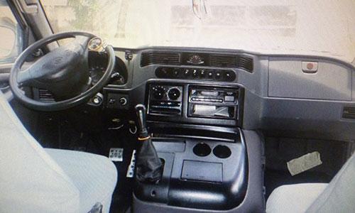 Mercedes-Benz MB 100 внутри