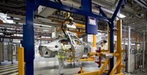 Завод «ПСМА Рус» с 27 апреля приостановит сборку четырех моделей