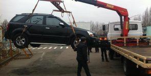 Сколько это стоит: в Киеве появилась горячая линия для эвакуации машин