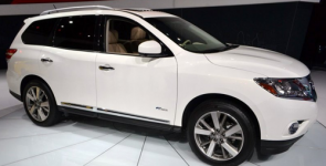 Nissan запустил в РФ производство гибридного кроссовера Pathfinder