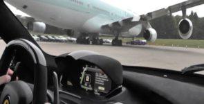 Демонстрация ошеломляющей скорости LaFerrari на прошедшем EvoMax event в Великобритании (Видео)