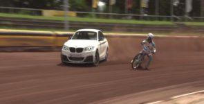 Дрифт состязание: BMW M235i против мотоцикла (Видео)