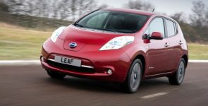 Концерн Nissan снижает европейский ценник на электромобиль Nissan Leaf